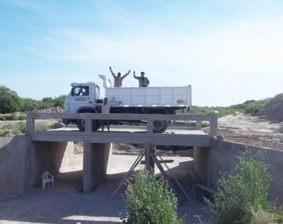 Construcción de dos puentes en Colonia Dora, Santiago del Estero